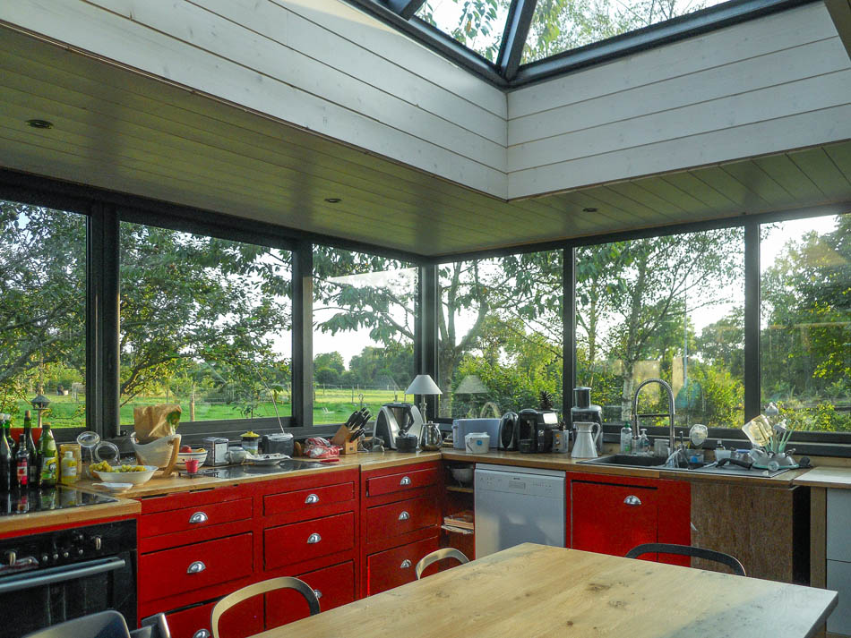 v randa toit plat toiture plate puit de lumi re la. Black Bedroom Furniture Sets. Home Design Ideas
